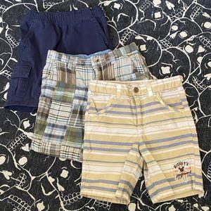 Boys shorts - lot of 3 - size 4-5
